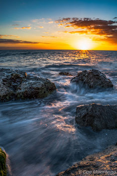 Golden Hour on the Rocks - image #357447 gratis
