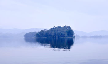 Morning, Lake Bunyonyi - image #389857 gratis