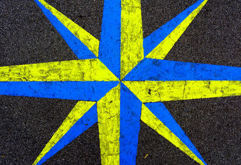 Yellow and Blue - image #430367 gratis