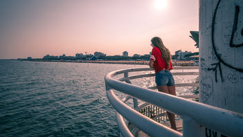The girl in red - Lignano sabbiadoro, Italy - Color street photography - бесплатный image #446807