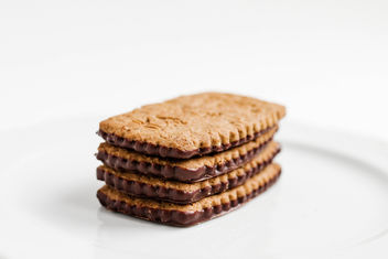 Close up of biscuits with chocolate and oat flakes.jpg - image #452087 gratis