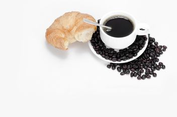 cup of coffee with bread on white background - Kostenloses image #452567