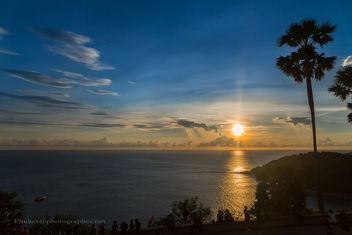 Sunset with Palms at Promthep Cape, Phuket island, Thailand - Kostenloses image #454217