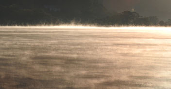 Mist on lake. - image #456957 gratis