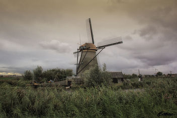 Holland - windmills of Kinderdijk - image #457567 gratis
