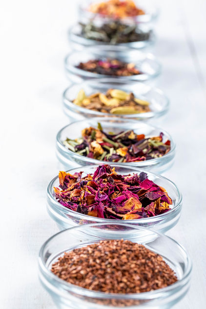 Set-of-teas-from-leaves-and-bark-with-spices-fruits-and-flowers-for-gourmets.jpg - бесплатный image #458877