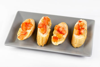 Prepared and served Bread Baguettes with Tomato and Tartar Sauce (Flip 2019) - image #460297 gratis