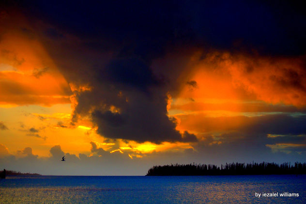 Cloudy sunset in Isle of Pines IMG_0696 - image #461957 gratis