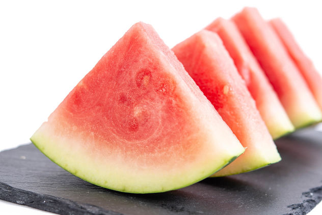 Sliced-Watermelon-on-the-black-stone-tray.jpg - Kostenloses image #462447