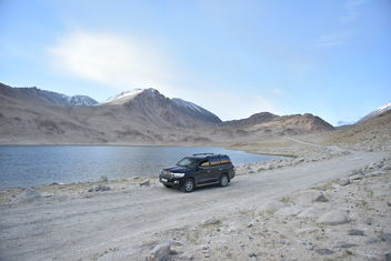 Toyota Land Cruiser 200 at Pamir Highway, Tajikistan, GBAO - Free image #463637