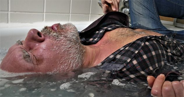 in the tub close-up - image gratuit #465307
